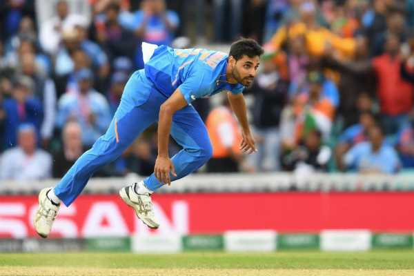 maiden-for-the-first-2-overs-mixing-indian-bowlers