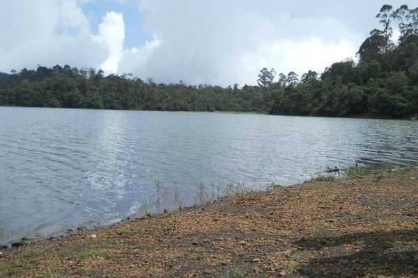 allow-tourists-to-visit-barijam-lake