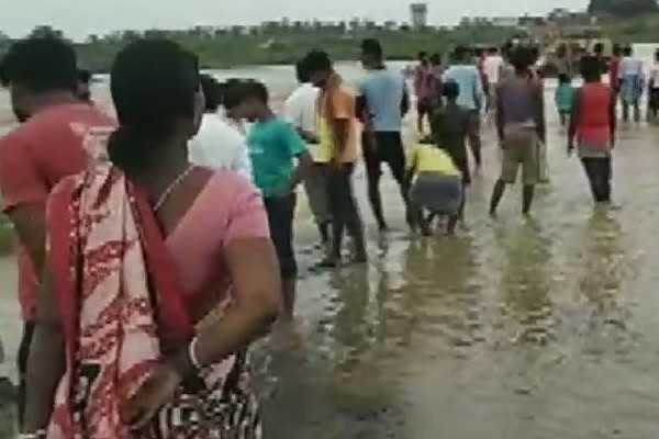 heavy-rain-fall-and-flood-in-west-bengal