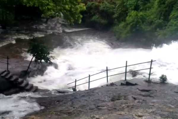 reopened-the-kutralam-falls