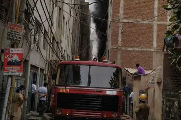 3-dead-in-major-fire-at-rubber-factory-in-delhi-search-and-rescue-ops-on