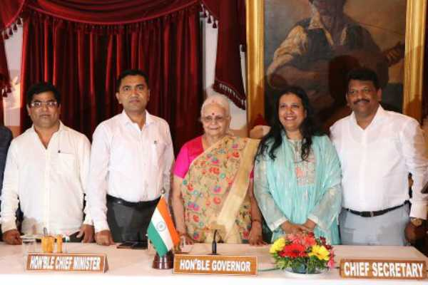 after-cm-drops-4-ministers-bjp-leader-3-congress-defectors-join-goa-cabinet