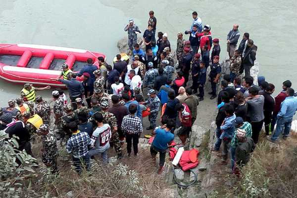 34-dead-in-nepal-flash-floods