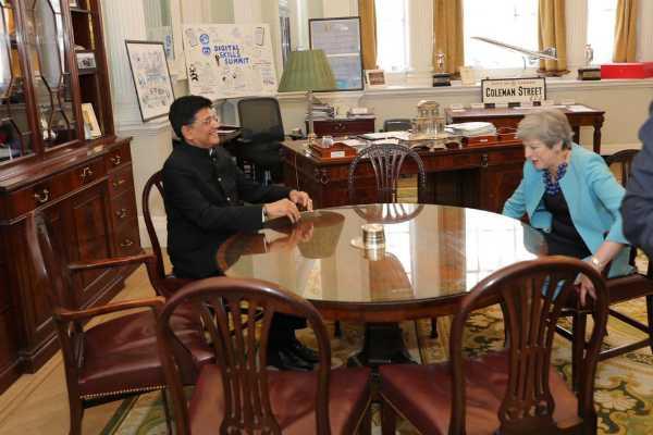 england-union-minister-piyush-goyal-met-prime-minister-of-united-kingdom-theresa-may