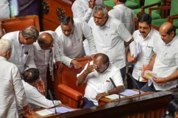 chaos-in-assembly-as-congress-flashes-pictures-of-shrimant-patil-alleges-mla-was-kidnaped