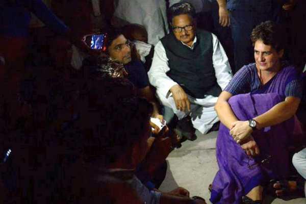 i-won-t-leave-says-priyanka-gandhi-spends-night-in-up-s-mirzapur