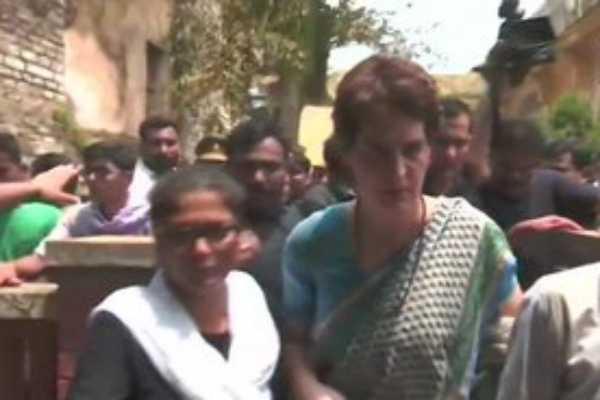 sonbhadra-killings-priyanka-gandhi-meets-family-members-of-victims