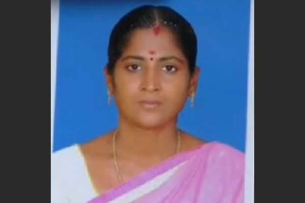 madurai-teacher-murder-in-the-front-of-students