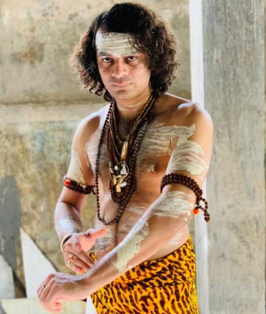ex-cm-s-son-dressed-as-lord-shiva-and-offered-prayer