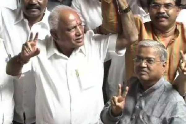 karnataka-kumaraswamy-meets-governor