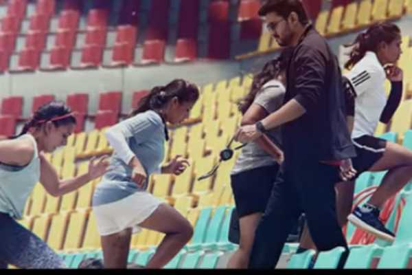 singappenney-video-song-from-bigil