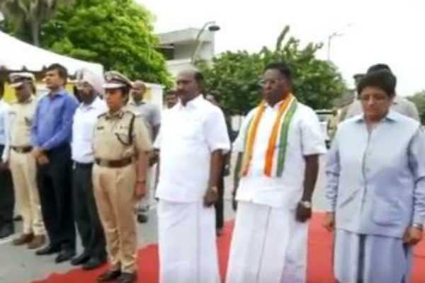 kargilvijaydiwas-narayanasamy-kiranbedi-pay-homage-to-kargil-martyrs