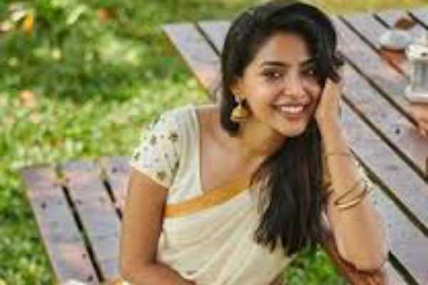 popular-malayalam-actress-in-the-ponniyin-selvan-movie