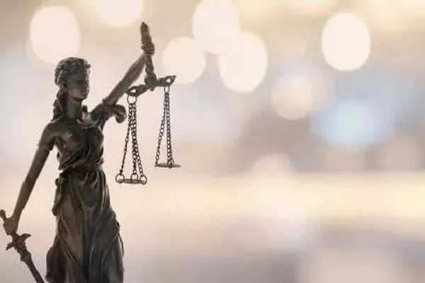 agra-judge-on-ego-trip-forces-cop-to-undress-how-such-acts-tarnish-judiciary-s-image