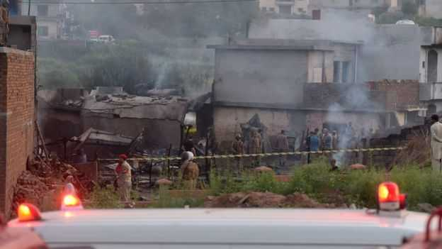 flight-crash-at-pakistan-17-dead
