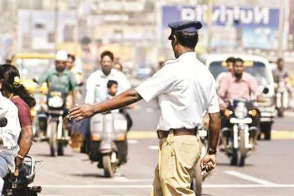 up-electrician-cuts-power-of-police-station-to-avenge-rs-500-fine-for-traffic-violation