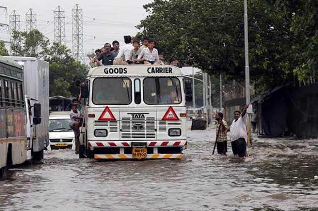 heavy-rainfall-waring-to-mumbai