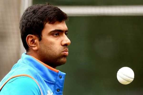 indian-team-left-alone-due-to-failure-to-speak-hindi