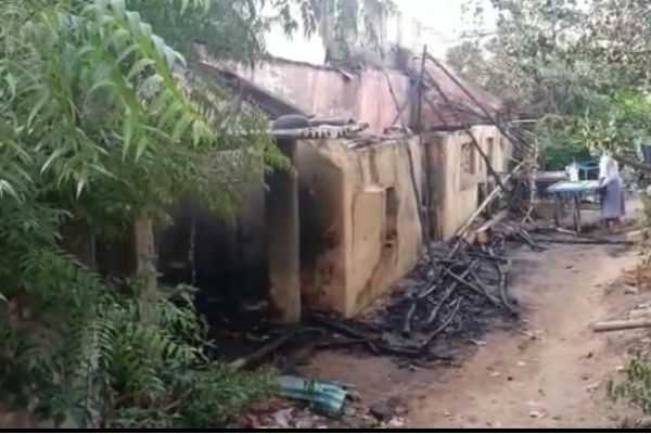 fire-at-fruit-godown-police-investigation