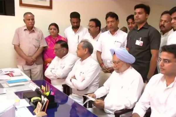 manmohan-singh-files-nomination-for-rajya-sabha