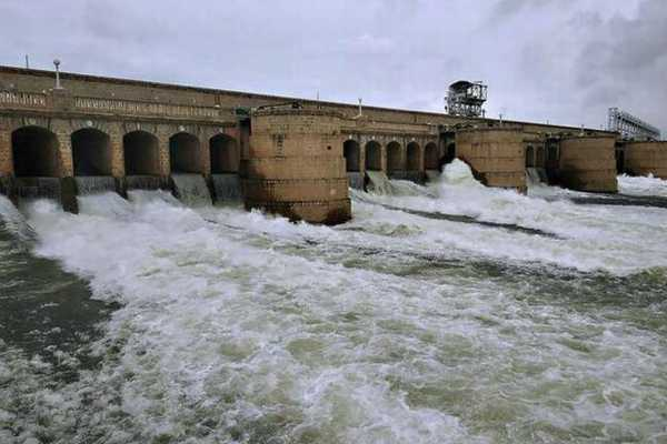 62-225-cubic-feet-of-water-discharge-from-karnataka-dams