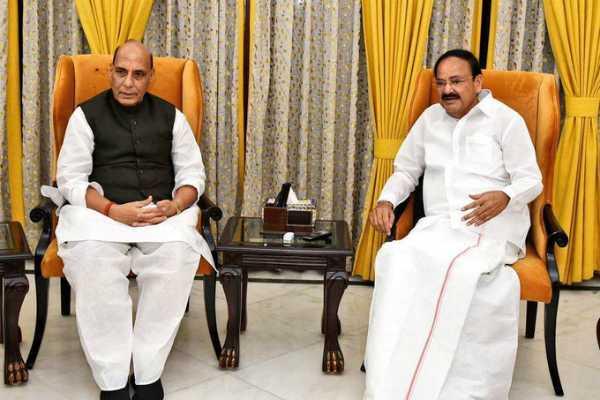 defence-minister-rajnath-singh-met-vice-president-m-venkaiah-naidu-in-delhi-today