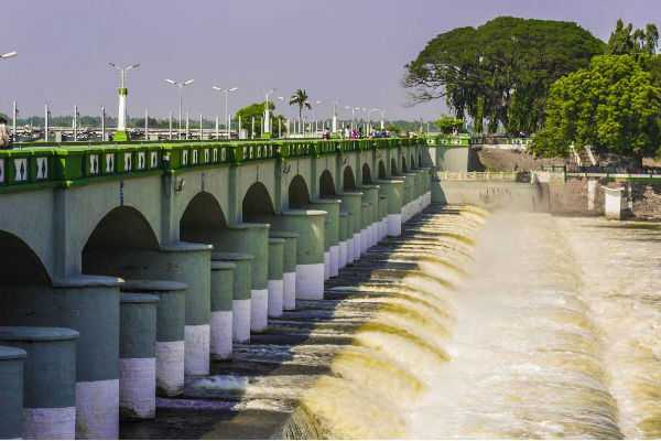 water-opening-from-kallanai-dam
