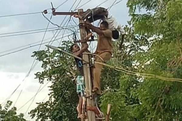 electrical-worker-injured-by-electricity-attack