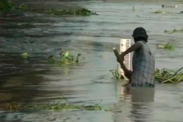 water-level-of-yamuna-river-rises-to-205-94-meters