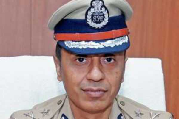 indian-army-and-air-force-to-be-ready-police-commissioner
