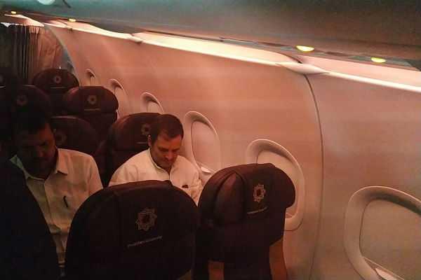 rahul-gandhi-onboard-flight-to-srinagar