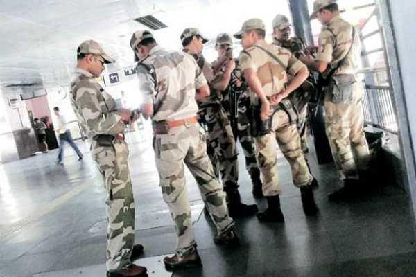 man-held-with-bullet-at-delhi-metro-station