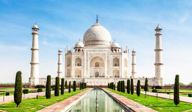 tajmahal-will-remain-open-on-nights-also-minister