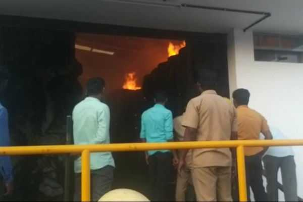 sudden-fire-in-the-dina-thanthi-office-will-the-paper-come-tomorrow