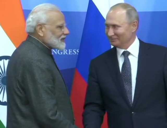 25-signing-contracts-modi-is-russia-s-best-friend