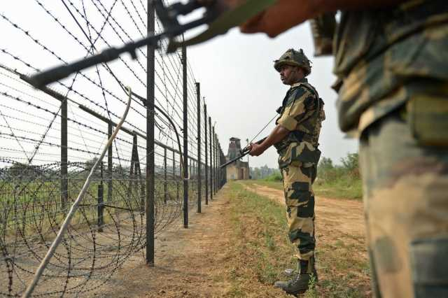 pak-indian-troops-concentrate-on-indian-border