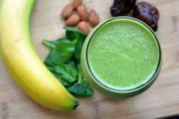 spinach-banana-smoothie-for-diabetes