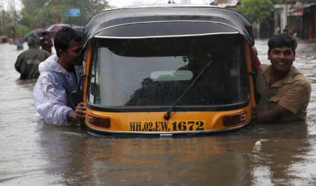 heavy-rain-at-mumbai