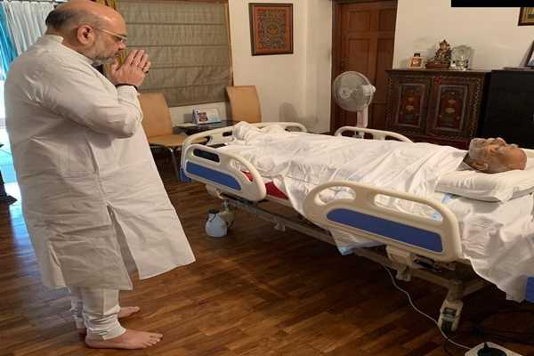 union-home-minister-amit-shah-pays-tribute-to-ram-jethmalani-s-body