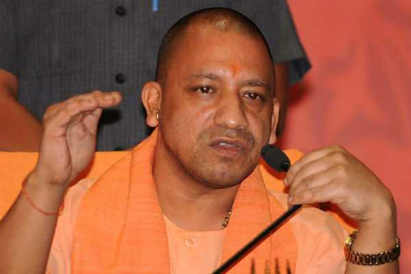 yogi-adityanath-and-his-ministers-head-to-iim-lucknow-for-training-on-good-governance