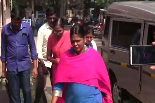 kapaleeswarar-temple-peacock-statue-thirumagal-s-bail-revoked