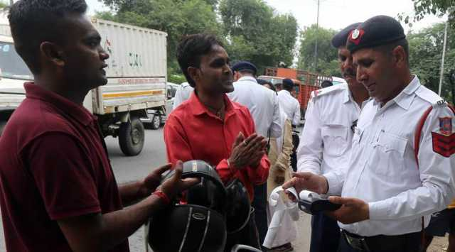 just-rs-100-will-save-you-from-traffic-violation-fine