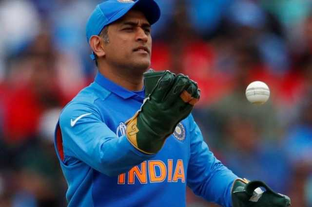 dhoni-is-widely-reported-to-announce-retirement-stay-tuned-tonight