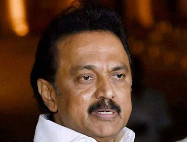 dmk-should-not-put-out-banners-stalin