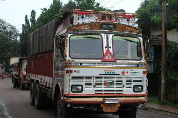 truck-driver-has-been-imposed-with-rs-2-lakhs-for-traffic-violation