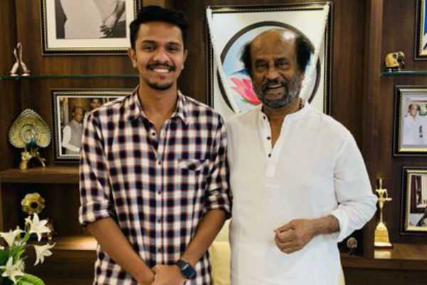 superstar-congratulates-the-young-director