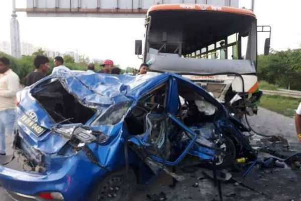 two-people-died-in-a-car-accident