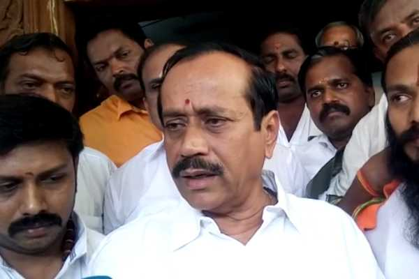 anti-hindi-struggle-in-front-of-stalin-school-h-raja
