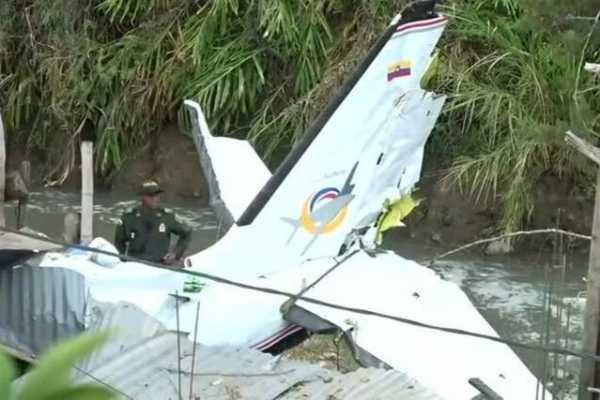 colombia-plane-crash-7-dead