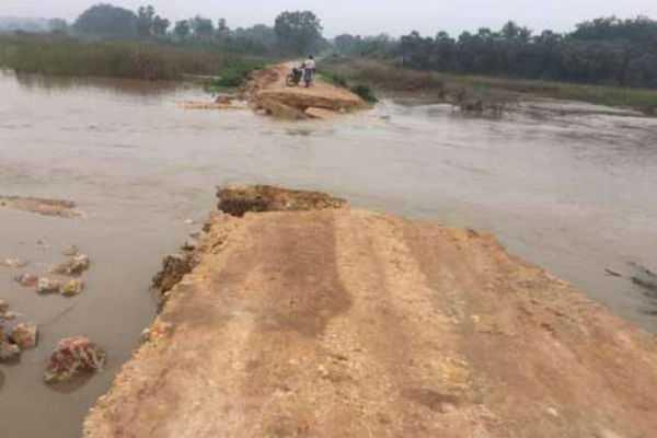 flooding-10-villages-severed